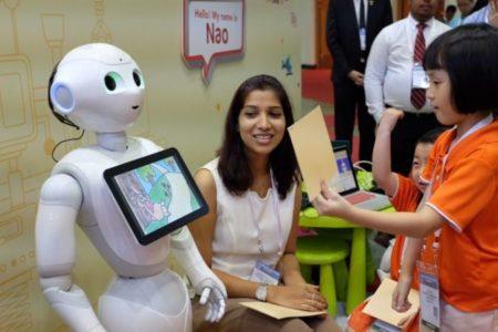 Comment des robots enseignent à des enfants singapouriens?