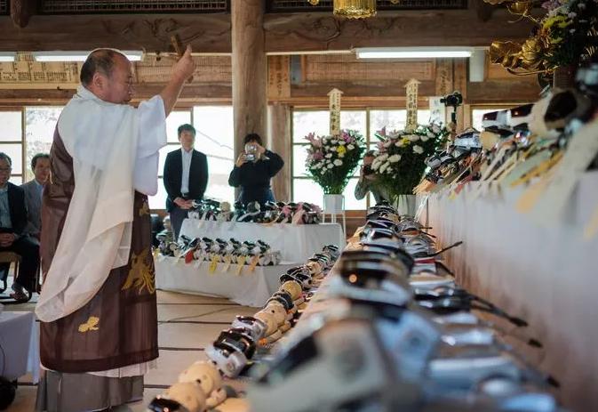 Au Japon, on organise les funéraires de ses robots de compagnie