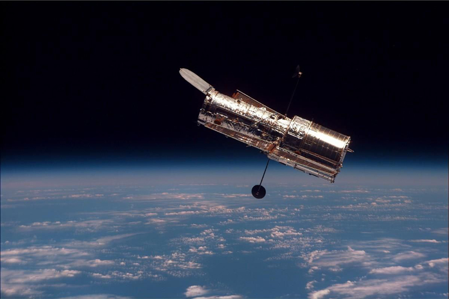 Le télescope Hubble en orbite.